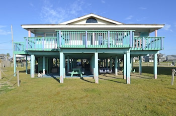 Photo for Beachfront Bliss 5 Br home by RedAwning in Terramar Beach, Texas