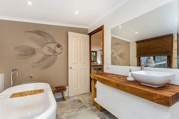Bottlebrush Cottage - Bathroom  - #0