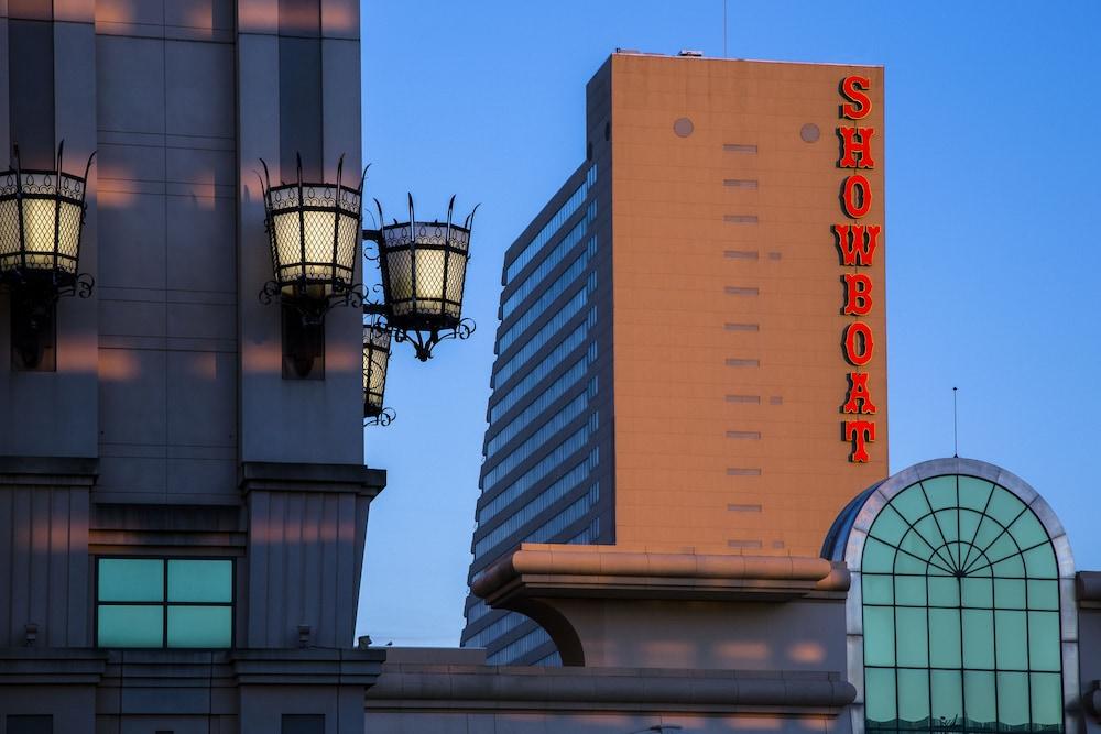 Showboat Hotel