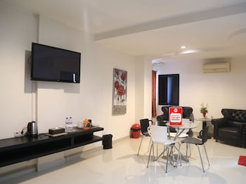 NIDA Rooms Fort Rotterdam Makassar at Hotel Mangga Dua - In-Room Dining  - #0
