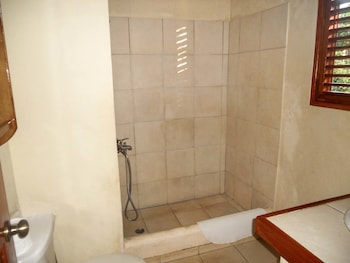 Villa Diana Ocean Front - Bathroom Shower  - #0