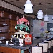 拉雅度庫庫幫 50 尼達飯店 - 地鐵屋飯店