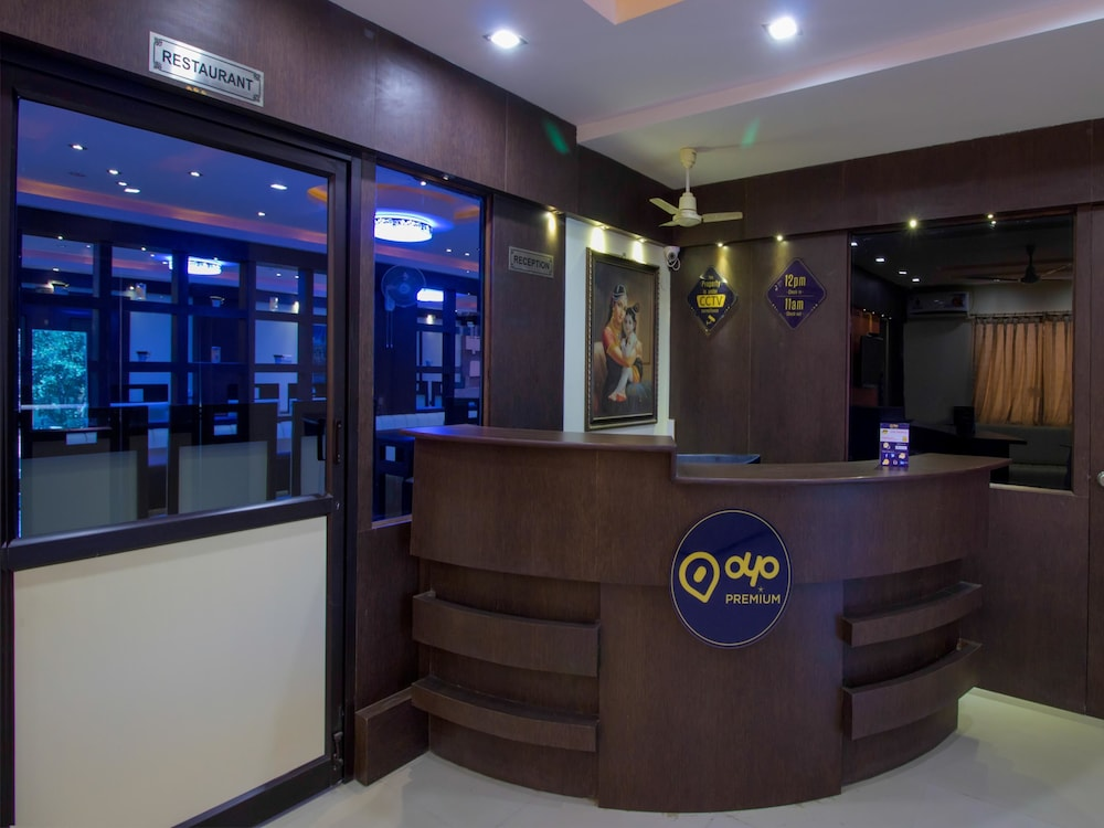 OYO 3787 9 Star Hotel