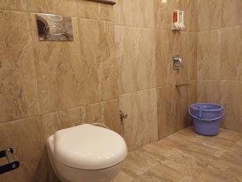 Hotel Sungrace Mussorie - Bathroom  - #0
