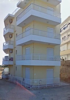 Yiannis Apartments - Featured Image  - #0