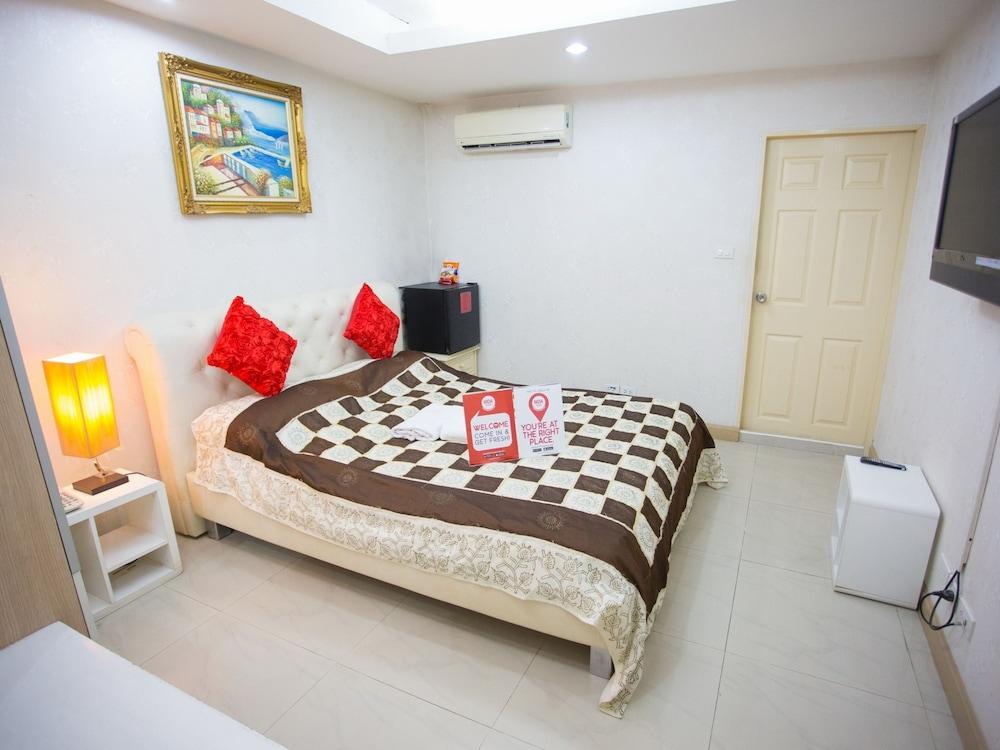 NIDA Rooms Suriyawong 703 Business Town