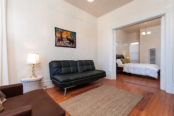 Elegant One Bedroom in Downtown Oakland