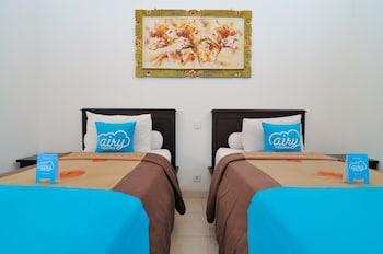Airy Legian Dewi Sri Empat Kuta Bali - Guestroom  - #0