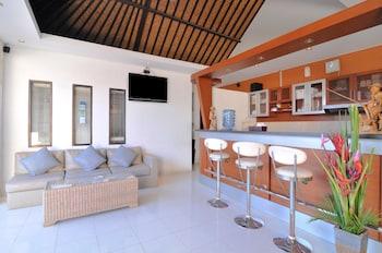 Airy Legian Dewi Sri Empat Kuta Bali - Hotel Bar  - #0