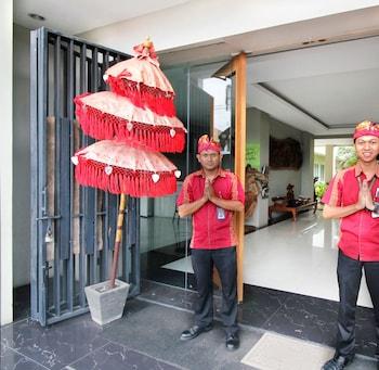 Airy Bandara Soekarno-Hatta Suryadarma Tangerang - Hotel Entrance  - #0