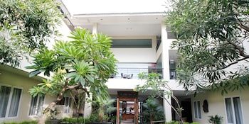 Airy Bandara Soekarno-Hatta Suryadarma Tangerang - Courtyard  - #0
