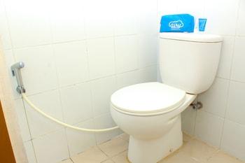 Airy Eco Sleman Seturan Raya Yogyakarta - Bathroom  - #0