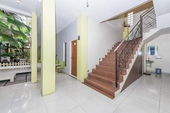 Airy Syariah Laweyan Samanhudi 12 Solo - Staircase  - #0
