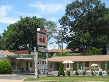 Twi-Lite Motel in Front Royal, Virginia