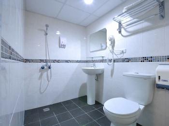 Rido Holiday Hotel - Bathroom  - #0