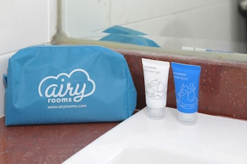 Airy Darmo Diponegoro 23 Surabaya - Bathroom  - #0