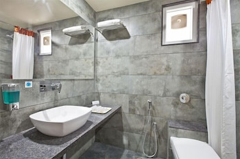 Hotel Sifat International - Bathroom  - #0