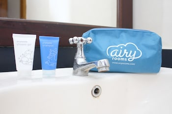 Airy Sanur Danau Tamblingan 164 Denpasar Bali - Bathroom  - #0