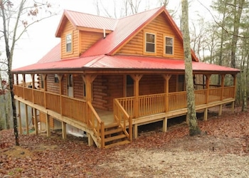 Red River Gorge Cabin Rentals in Slade, Kentucky