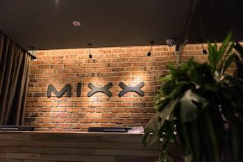 Mixx Hotel
