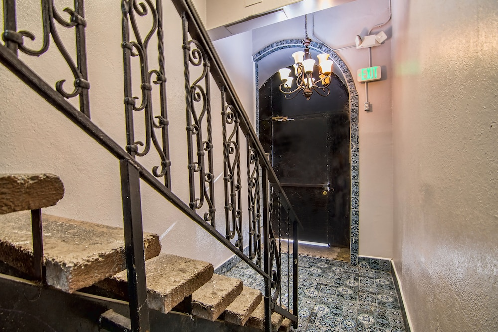 Vinograd Hotel