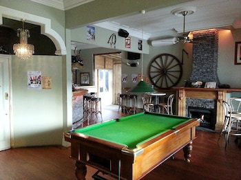 Shooters Saloon Bar Hotel & Cabins - Billiards  - #0