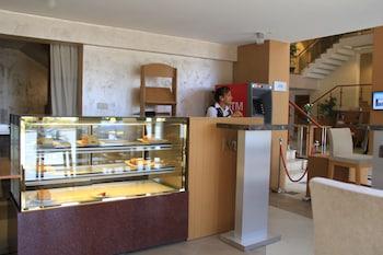 Momona Hotel