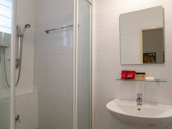OYO Rooms Raja Chulan Monorail - Bathroom  - #0