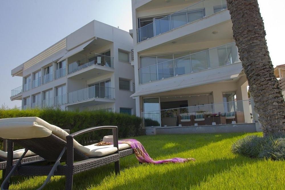 Trident Beach Front Suite