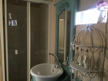 Nouveau Studios - Bathroom  - #0