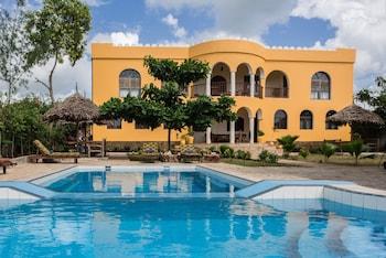 Zan View Hotel - Outdoor Pool  - #0