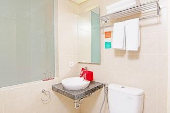 ZEN Rooms Bunut Sari Legian - Bathroom  - #0