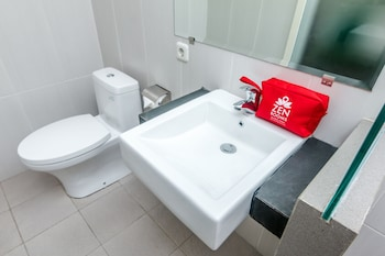 ZEN Rooms Kuta Kartika Plaza Samudra - Bathroom  - #0