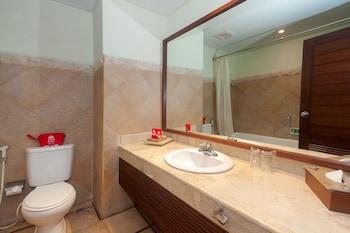 ZEN Rooms By Pass Sanur 7 - Bathroom  - #0