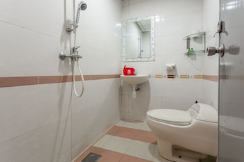 ZEN Rooms Basic Jalan Petaling - Bathroom  - #0