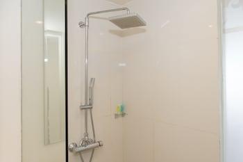 ZEN Rooms Kuta Jerman Beach - Bathroom  - #0