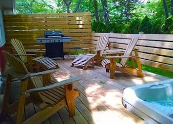 Maple Ridge Cottages in Saugatuck, Michigan
