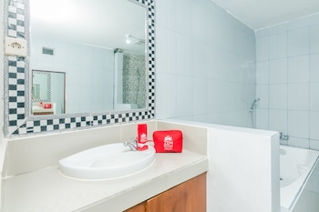 ZEN Rooms Nusa Dua Pratama Bidadari - Bathroom  - #0