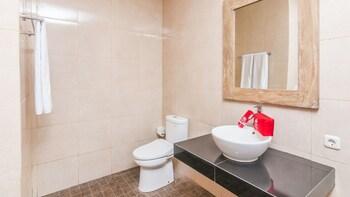 ZEN Rooms Ubud Jembawan - Bathroom  - #0