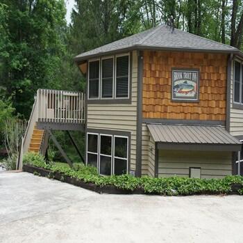 Brook Trout Inn in Sapphire, North Carolina
