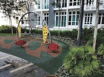 Holi 1Medini Suites - Childrens Play Area - Outdoor  - #0