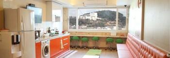 Tongyeong Guesthouse Seopirang - Hostel - Featured Image  - #0