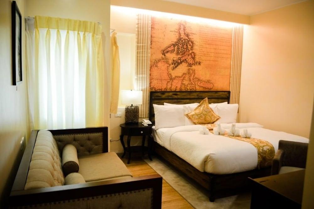 Palm Grass Hotel