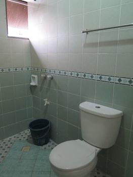 Iloilo Budget Inn - Jaro - Bathroom  - #0