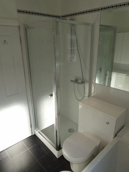 Sunninghill Apartment - Bathroom  - #0