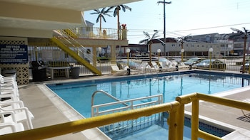 Golden Rail Motel in North Wildwood, New Jersey