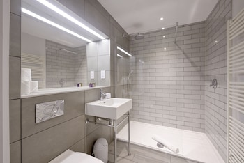 Destiny Scotland - Distillers House - Bathroom  - #0