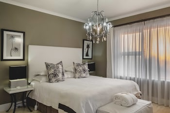 Photo for Admiralty Beach House in Port Elizabeth
