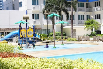 Homebound at Sea Residences Serviced Apartments - Childrens Pool  - #0