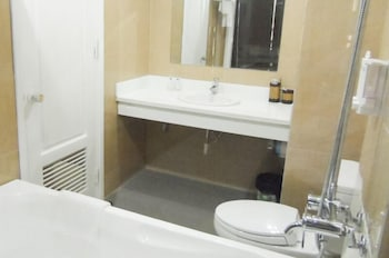 Phoenix Hotel - Bathroom  - #0